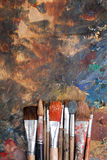 Fondo abstracto con los cepillos de pintura Imagen de archivo