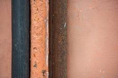 Fondo abstracto del cable, del tubo del metal y de la pared de goma gruesos imagenes de archivo