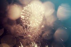 Fondo abstracto del día de fiesta con los fuegos artificiales Fotos de archivo