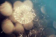 Fondo abstracto del día de fiesta con los fuegos artificiales Imagen de archivo libre de regalías