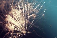Fondo abstracto del día de fiesta con los fuegos artificiales Imágenes de archivo libres de regalías