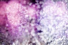 Fondo abstracto del día de fiesta con los fuegos artificiales y las estrellas Fotografía de archivo