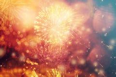 Fondo abstracto del día de fiesta con los fuegos artificiales y las estrellas Fotos de archivo