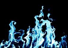 Fondo abstracto del fuego de la llama azul en fondo negro Imagenes de archivo