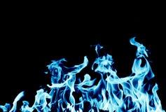 Fondo abstracto del fuego de la llama azul en fondo negro Fotografía de archivo