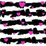 Fondo abstracto del grunge del VECTOR con las rayas blancas negras Corazones magentas Fondo de la tarjeta de las tarjetas del día Foto de archivo libre de regalías