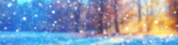 Fondo abstracto del invierno de la falta de definición con las escamas de la nieve fotografía de archivo
