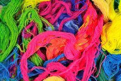 Fondo acrilico multicolore del filato Fotografia Stock