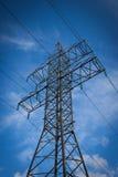 Fondo ad alta tensione del cielo della torre Immagine Stock Libera da Diritti