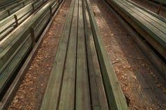 Fondo all'aperto di legno dei banchi Immagine Stock Libera da Diritti