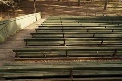 Fondo all'aperto di legno dei banchi Fotografia Stock Libera da Diritti