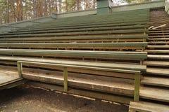 Fondo all'aperto di legno dei banchi Immagini Stock Libere da Diritti
