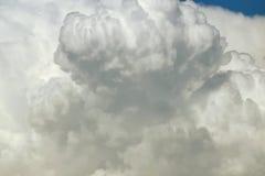 Fondo alto vicino della nuvola Immagine Stock