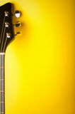 Fondo amarillo de la música Fotos de archivo