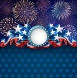 Fondo americano patriótico con los fuegos artificiales Fotos de archivo libres de regalías