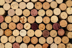 Fondo apilado del corcho del vino fotos de archivo