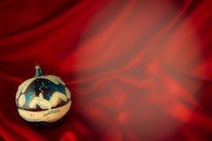 fondo Ardente-rosso per le congratulazioni sul Natale e sul nuovo YE Fotografia Stock Libera da Diritti