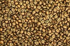 Fondo arrostito dei chicchi di caffè di Brown immagini stock