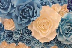 Fondo artificiale fatto a mano dei fiori di carta della decorazione Fotografia Stock