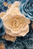 Fondo artificiale fatto a mano dei fiori di carta della decorazione Fotografia Stock Libera da Diritti