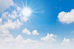 Fondo asoleado del cielo Imagen de archivo libre de regalías