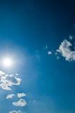 Fondo asoleado del cielo Foto de archivo libre de regalías