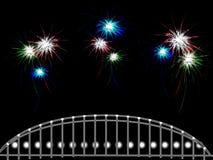 Fondo astratto con i lotti dei fuochi d'artificio sopra il ponte Fotografie Stock Libere da Diritti