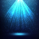 Fondo astratto con i raggi di luce Immagini Stock Libere da Diritti