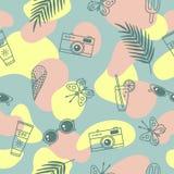 Fondo astratto creativo Modello senza cuciture sveglio con i simboli di estate illustrazione di stock