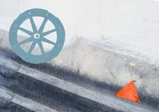 Fondo astratto di lerciume con la ruota del carretto Immagine Stock Libera da Diritti