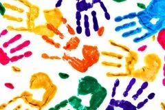 Fondo astratto fatto dai handprints colorati illustrazione vettoriale