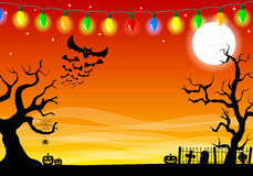 Fondo asustadizo de Halloween con el cementerio en la noche oscura Imagen de archivo libre de regalías