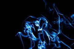 Fondo azul abstracto del humo Imagenes de archivo