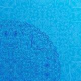 Fondo azul claro con media Mandala Ornament Foto de archivo libre de regalías