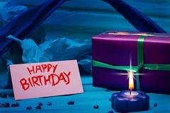 Fondo azul con el cumpleaños de la muestra Foto de archivo