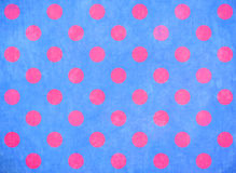 Fondo azul con los puntos rosados Fotografía de archivo