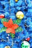 Fondo azul de la Navidad fotos de archivo