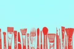 Fondo azul de la saturación de Art Creativity Fila de diversos cepillos Efecto de la interferencia de Digitaces fotografía de archivo