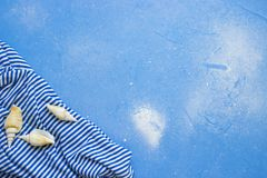 Fondo azul del concepto de la playa Imágenes de archivo libres de regalías