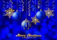 Fondo azul del día de fiesta con los ornamentos de la Navidad Fotografía de archivo