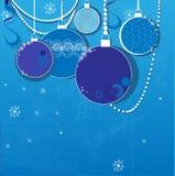 Fondo azul del invierno con las bolas de la Navidad Fotografía de archivo