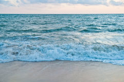 Fondo azul del mar Foto de archivo