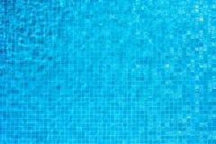Fondo azul del mosaico de la piscina Foto de archivo libre de regalías