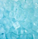 Fondo azul fresco fresco de cubo de hielo Fotografía de archivo libre de regalías