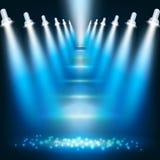 Fondo azul marino abstracto con los proyectores