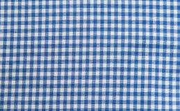 Fondo azul y blanco del mantel, tela de la tela escocesa Fotografía de archivo