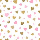 Fondo bianco del modello senza cuciture con i cuori dell'oro e di rosa progetti per la cartolina d'auguri di festa e l'invito del royalty illustrazione gratis