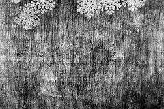 Fondo in bianco e nero di Natale e del nuovo anno da un legno Fotografia Stock