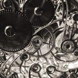 Fondo in bianco e nero di seppia di lerciume con struttura d'annata del meccanismo dell'orologio fotografie stock libere da diritti