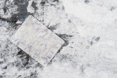 Fondo in bianco e nero fatto di vecchio manifesto fotografia stock libera da diritti